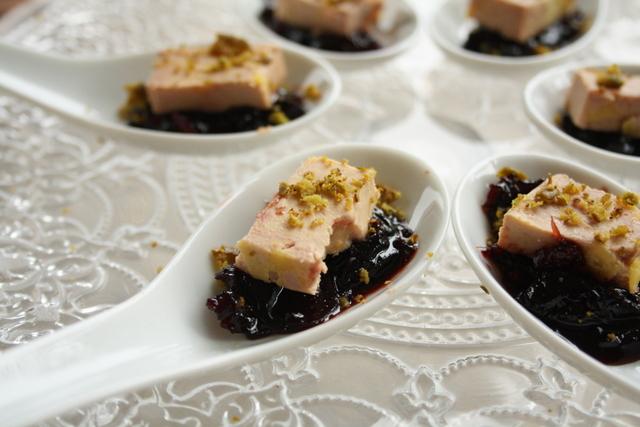 cuill res de foie gras au chutney de cerises les filles table. Black Bedroom Furniture Sets. Home Design Ideas