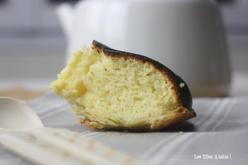 tourteau fromager, les filles à table