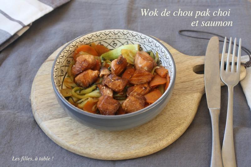 wok, saumon, chou pak choi, les filles à table