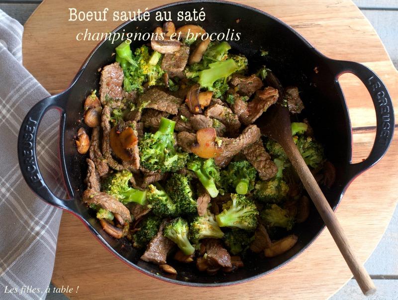 boeuf, brocoli, champignons, saté, les filles à table
