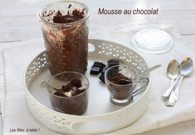 mousse chocolat, les filles à table