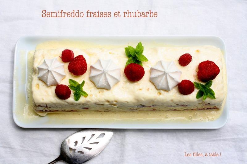 semifreddo, fraises, rhubarbe, les filles à table