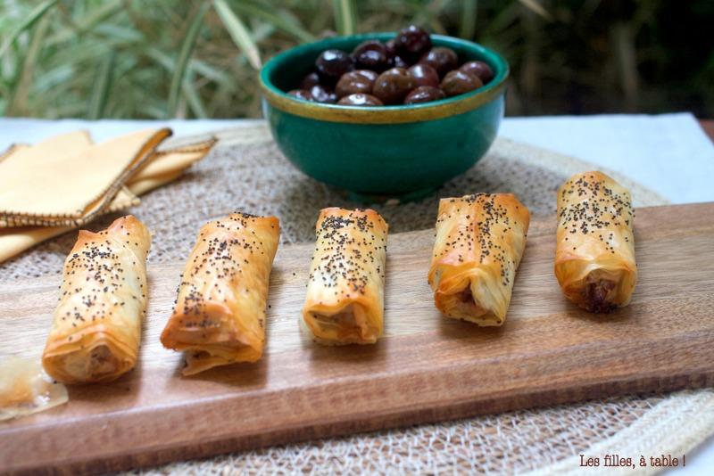 feuilletés, olives, grèce, les filles à table
