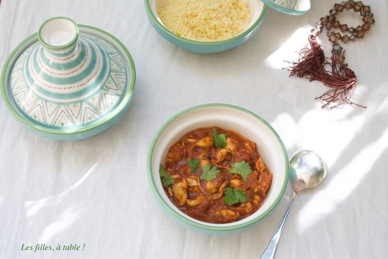 tajine, moules, Maroc, chermoula, les filles à table