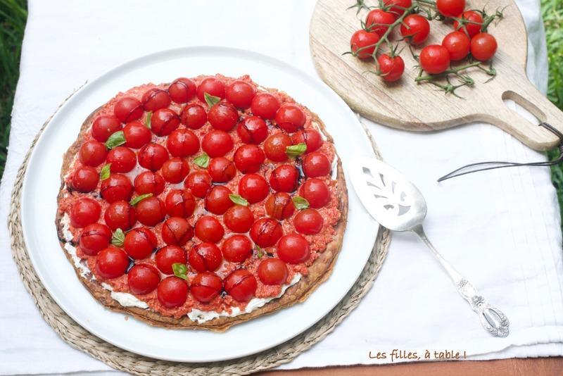 tarte, tomates, poivrons, chèvre, les filles à table