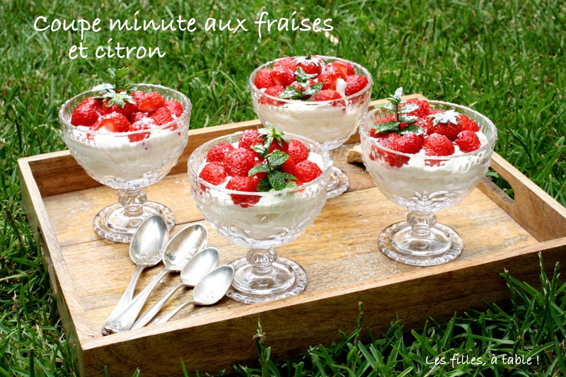 fraises, lemon curd, crème, les filles à table
