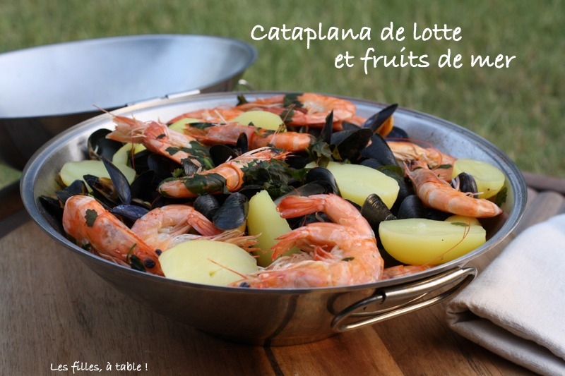 cataplana, lotte, fruits de mer, les filles à table