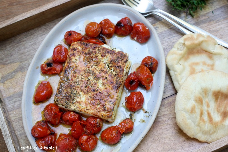 feta, tomates cerises, Grèce, les filles à table