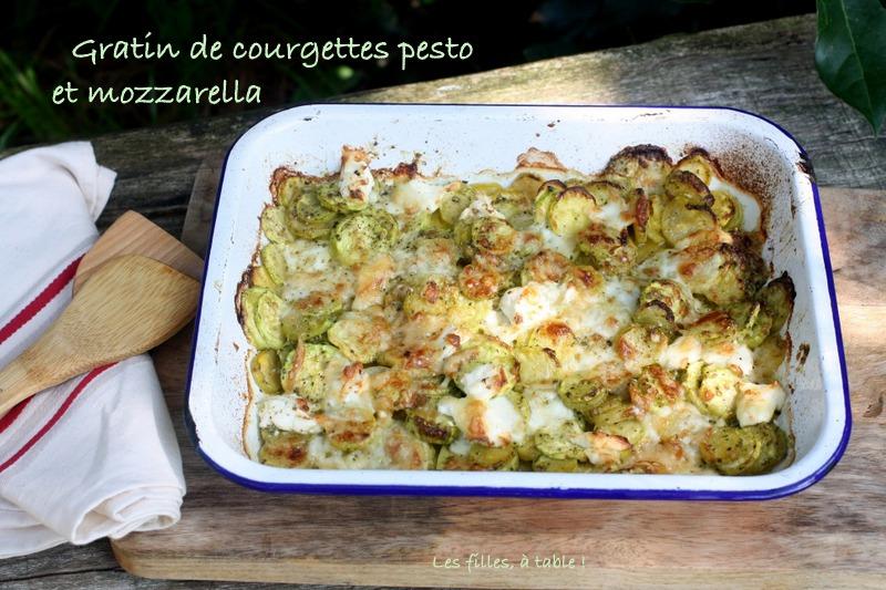 gratin, courgettes, pesto, mozzarella, les filles à table