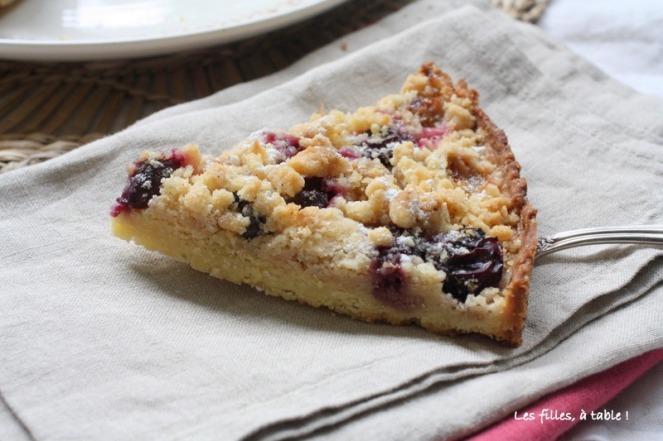 tarte, raisins, les filles à table
