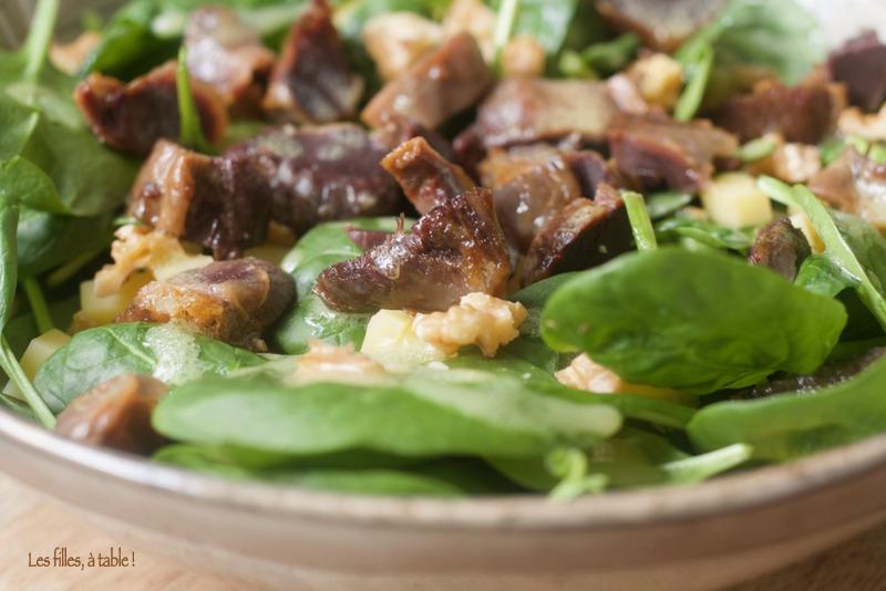 Salade aux pousses d'épinards et gésiers confits