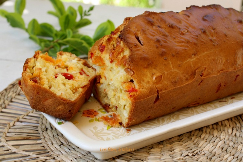 Cake brebis, piquillos et chorizo
