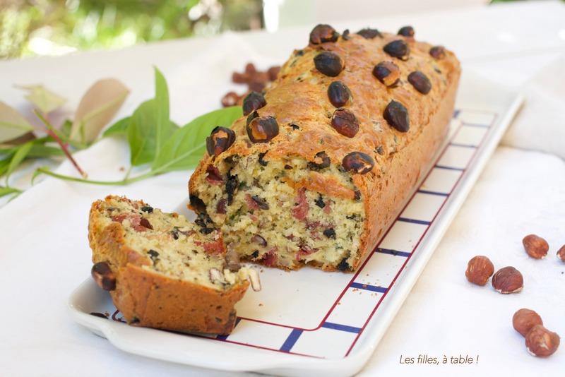 Cake aux champignons, comté et noisette