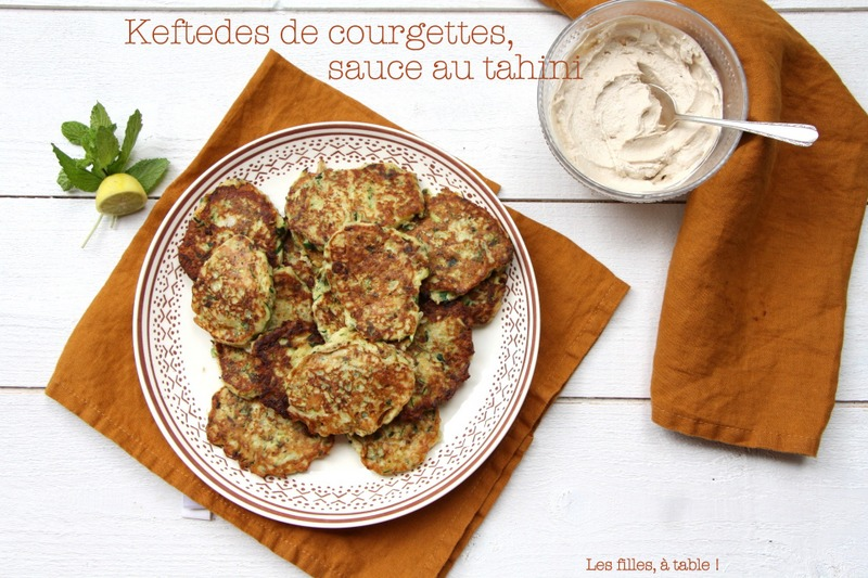 Keftedes aux courgettes, sauce au tahini