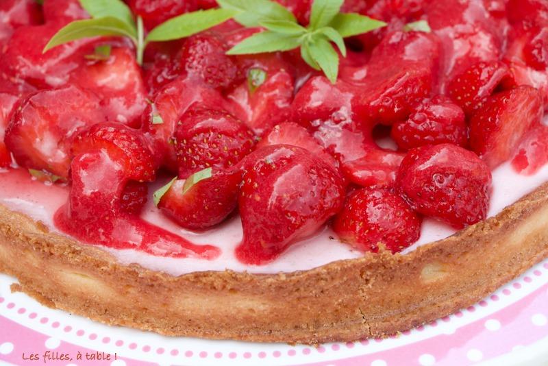 Tarte fraises framboises sur panna cotta fraises